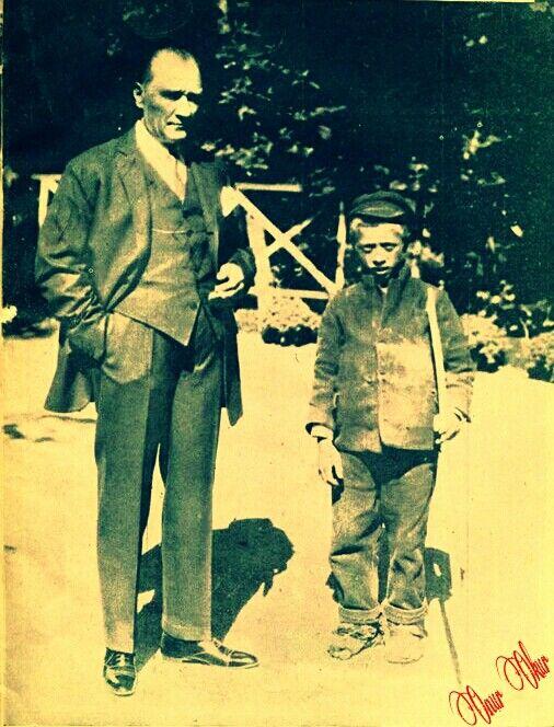Atatürk, Sığırtmaç Mustafa ile...