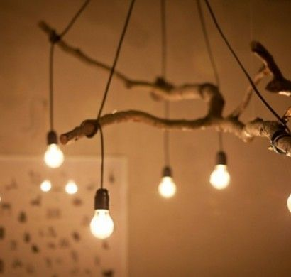 DIY-Deko-Ideen-glühbirnen-hängen-zweig-kronleuchter