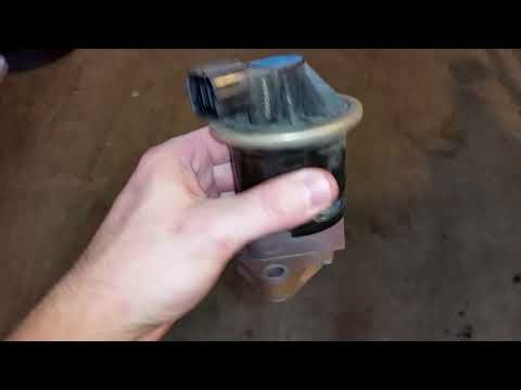 (168) 2001-2006 Acura MDX SUV - Inspecting Old EGR (Exhaust Gas Recirculation) Valve - YouTube