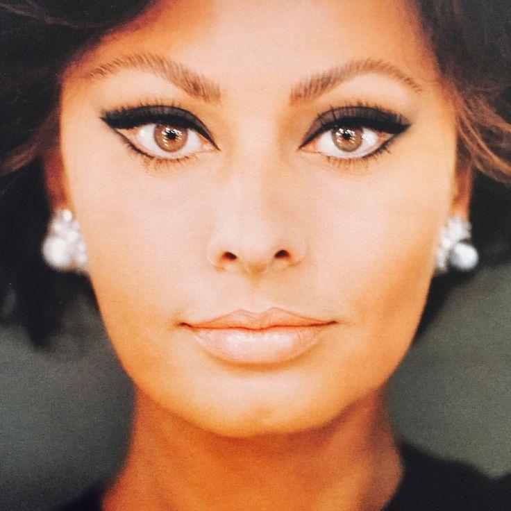 Bellezza Italiana. Sophia Loren by Chiara Samugheo