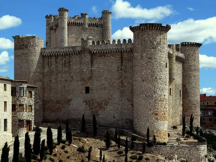 """CASTLES OF SPAIN - Castillo de Torija, Guadalajara, Spain. The castle was built by the   Knights Templar in the 11th century, becoming an important fortress in successive medieval   wars. In 1445, it was taken by the Navarran captain Juan de Puelles. In the 19th century, it was   occupied by the French (Napoleonic invasion) under General Hugo, (father of Victor Hugo),   until it was taken by the guerrilla leader """"El Empecinado""""."""