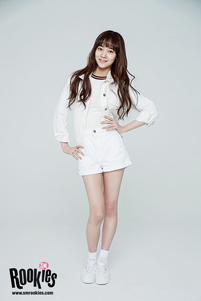 HINA  Specialty :DANCE, Bilingual in Korean and Japanese Blood type :B DOB :2000-01-05 City :NAGOYA, JAPAN