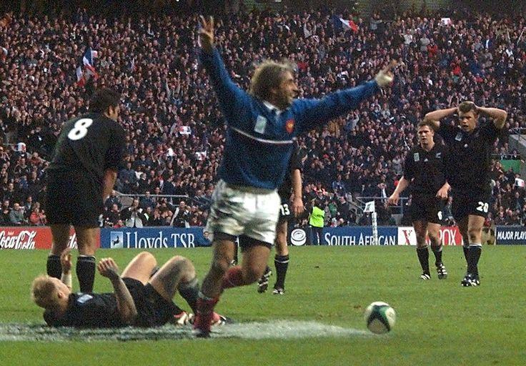"""A chaque fois favorite, la Nouvelle-Zélande a """"seulement"""" remporté deux des sept Coupes du monde. Avant sa finale contre l'Australie cet après-midi (en direct sur TF1 et MYTF1News à 17h), nous vous proposons de revenir, vidéos à l'appui, sur ses cinq défaites. Deux lui ont infligées par la France et deux par l'Australie !"""