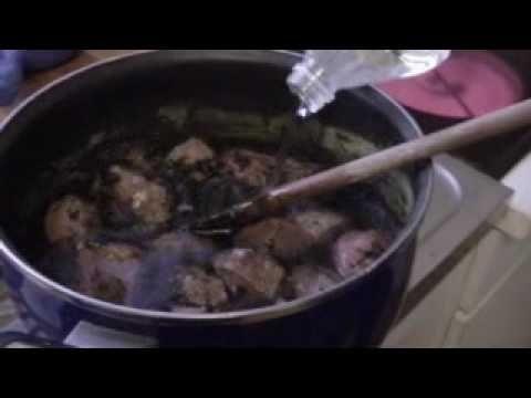 Cuisine juive tunisienne la melokhia youtube tunisia for Cuisine tunisienne