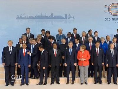 Macron przeciska się do Trumpa, G20