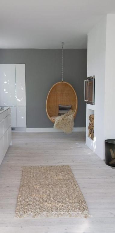 Biala podloga w mieszkaniu
