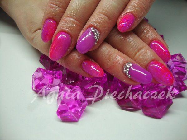 Znalezione obrazy dla zapytania różowo fioletowe paznokcie