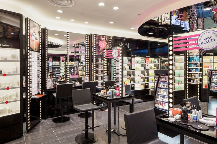Mecca Maxima, designed by Red Design Group. Mecca aims to bring the beauty lover her one stop beauty destination with the hottest makeup brands, trends and expertise in a glamorous and interactive environment.  Lyn Cormick, Senior Project Designer at Red Design Group, consulted with the Mecca team to implement the generic design across a variety of retail formats in Melbourne, Sydney & Brisbane.