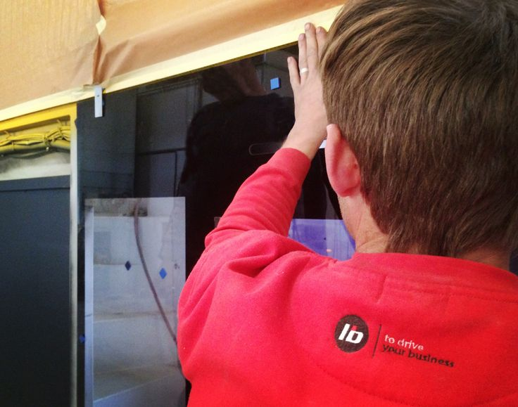 Aplicação de vidros no autocarro | Bus glass assembly #liderbus