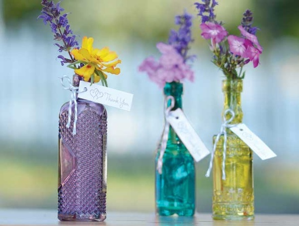 centerpieces wedding-ideas: Centerpieces Ideas, Bud Vase, Wedding Favors, Simple Centerpieces, Shower Favors, Wedding Photo, Centerpieces Wedding Ideas, Minis Bud, Colors Glasses