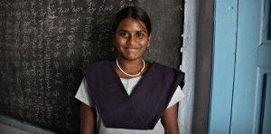"""A pesar de su prohibición, India concentra cerca del 40% de las bodas infantiles que se celebran en todo el mundo.Nos acercamos a las historias de Subhasini y Chinnadevi, ambas de 11 años.Una que logró evitarla, otra que huyó tras aquello que todos celebraban. Madrid, 13 de junio (SinEmbargo/ElDiario.es).- """"Si no me ayudas me…"""". La […]"""