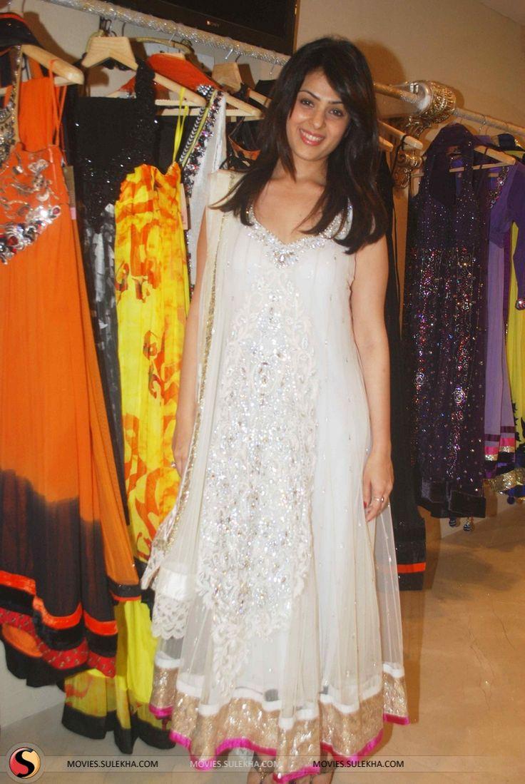Anjana Sukhani Shopping at Archana Kochhar Store Stills