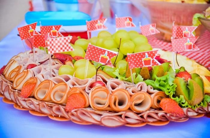 Garden Picnic Party with Lots of Really Cute Ideas via Kara's Party Ideas | KarasPartyIdeas.com #PicnicParty #PartyIdeas #Supplies (10)
