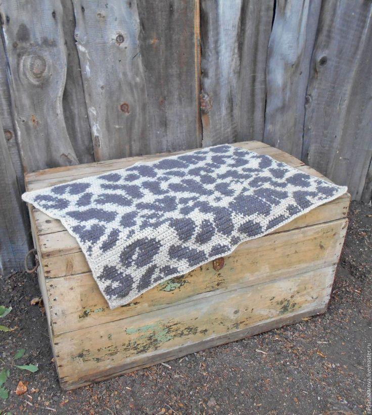 Купить Коврик вязаный из овечьей и пуховой пряжи сНежный барс - коврик, коврик ручной работы