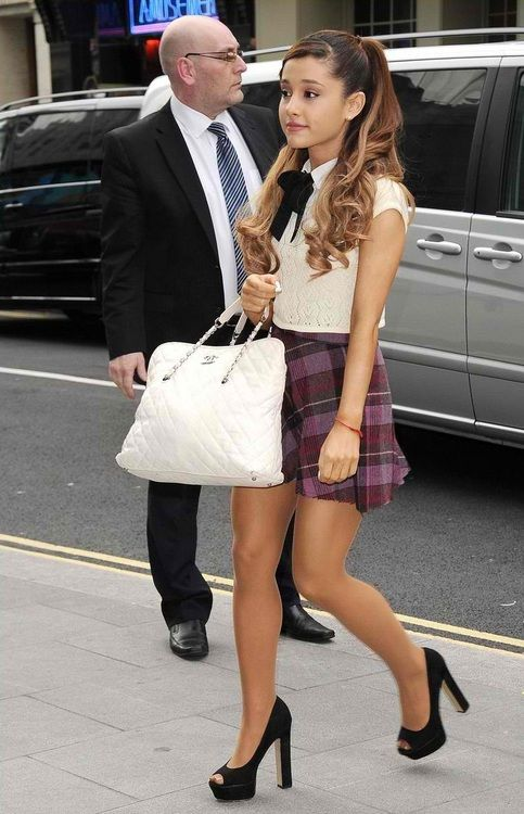 Ariana Grande Cute Street Style Street Pinterest Ariana Grande Love This And Street