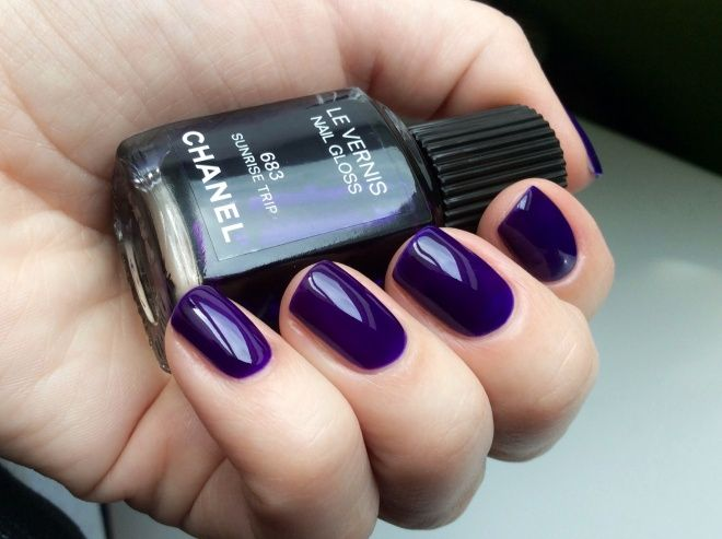 Фиолетовый блеск Chanel Le Vernis Nail Gloss #683 Sunrise Trip
