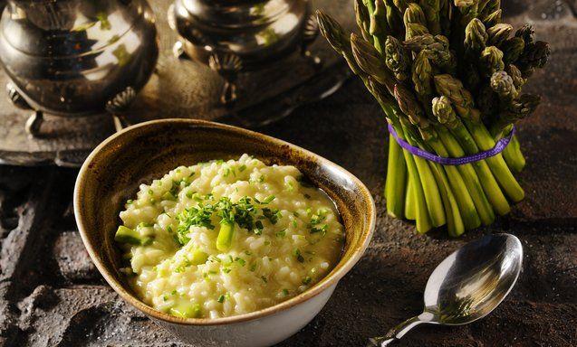Απολαύστε ένα από τα πιο περιζήτητα πιάτα μας.Ριζότο με σπαράγγια,ψητό σκόρδο & λάδι τρούφας #LocalFood #LocalPasta http://www.localthessaloniki.gr/the-pasta/