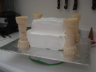 Princess Castle Cake  - - really good tutorial start to finish
