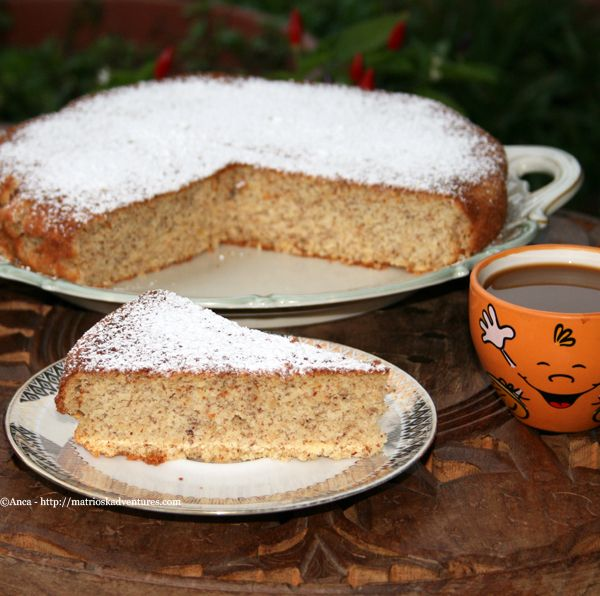 Una deliziosa torta di mele e mandorle dietetica e senza glutine, facile e veloce da preparare. /Reteta prajitura cu mere si migdale fara grasimi si fara faina.http://matrioskadventures.com/2014/10/28/torta-di-mele-e-mandorle-0-grassi-0-farina-prajitura-cu-mere-si-migdale-0-grasimi/