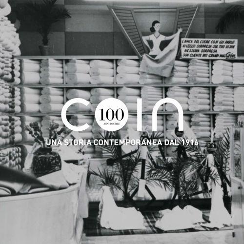Attenzione ai gusti ed ai desideri del cliente sono stati il motore che ha guidato Coin dal 1916 ai giorni nostri. Nel corso di 100 anni di pari passo sono cambiati il design e le modalità di esposizione dei prodotti, costantemente affiancati.   Scopri di più su www.coin.it/centenario https://video.buffer.com/v/59c129f497d619bd41282828