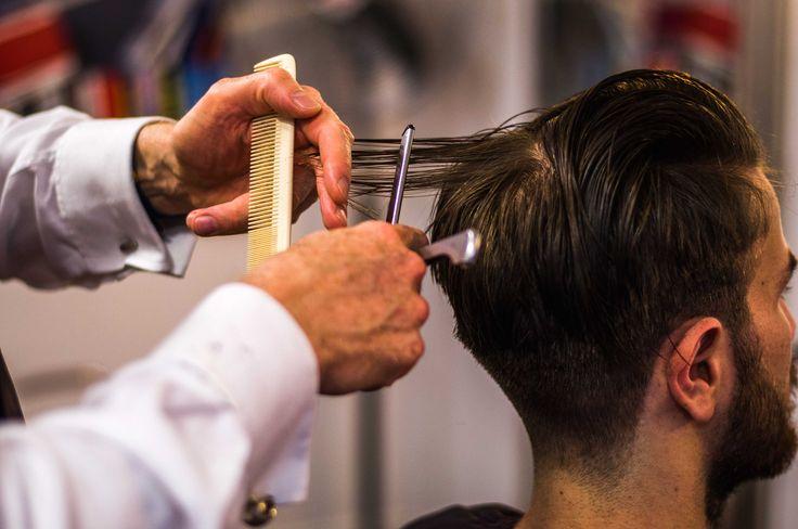 50er Jahre Friseur Messer Technik bei Herr Schneider in Hamburg