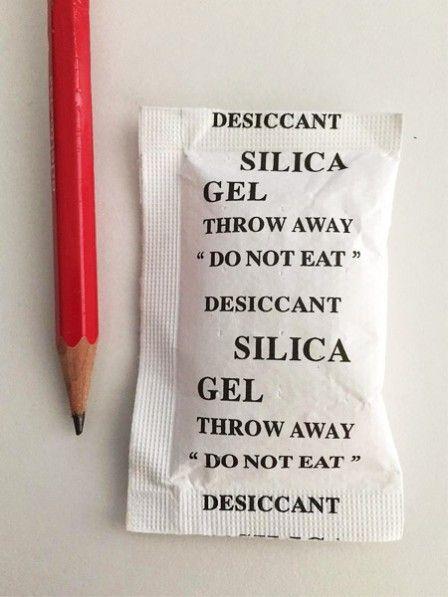 Silikagel- oder Kieselgel-Päckchen können richtig nützlich sein.