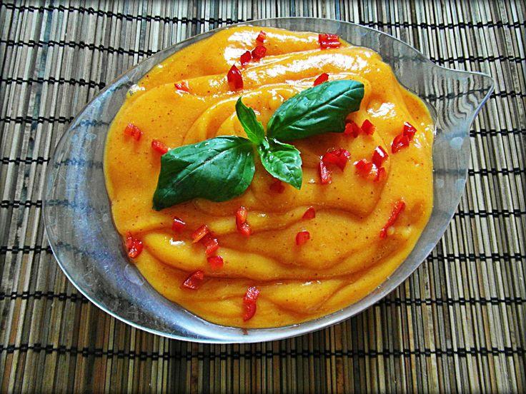 mangovo-broskový pudink s čili mousse de mango y melocotón con un toque de chili