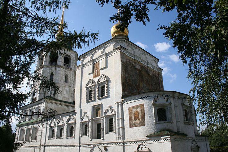 De Christus de Verlosser Kerk in Irkoetsk, Rusland | NLtraveler.com