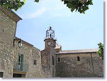 Venterol, klokkentoren en stenen huizen
