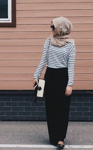 #hijab look: straight black skirt