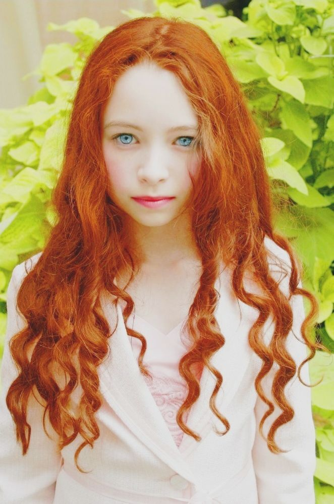 Jodelle Ferland as Little Lily Evans  Lily Evans Potter