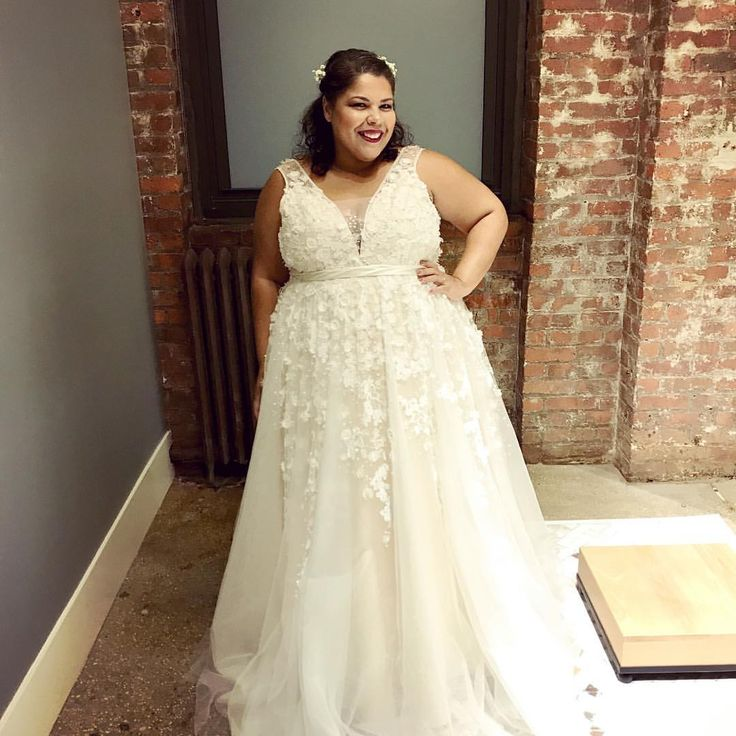 277 best Plus Size {Wedding Dresses} images on Pinterest | Wedding ...
