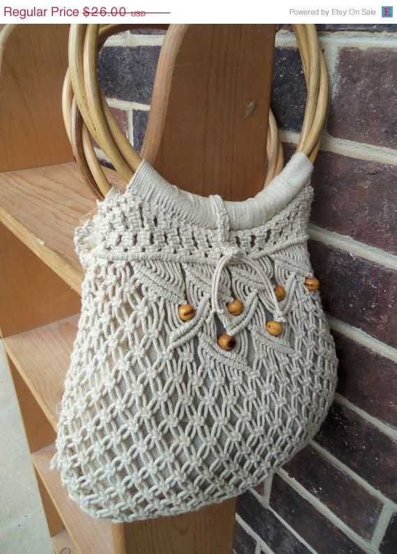 Macrame. I wish I could do this.