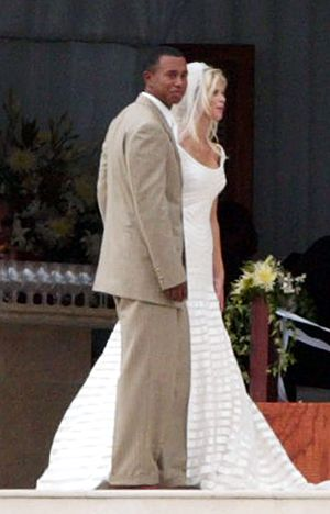 Elin Nordegren marrying Tiger Woods in 2004.