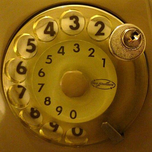 Noi che...... c'era il lucchetto al telefono