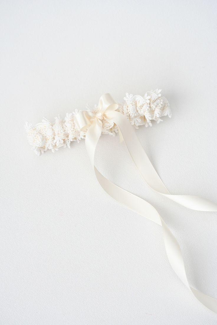 lace-wedding-garter-The-Garter-Girl