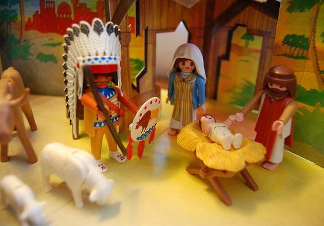 Legoland Billund Häuptling Sitting Bull Aus Mio Lego Steinen - Hipster nativity set reimagines the birth of jesus in 2016