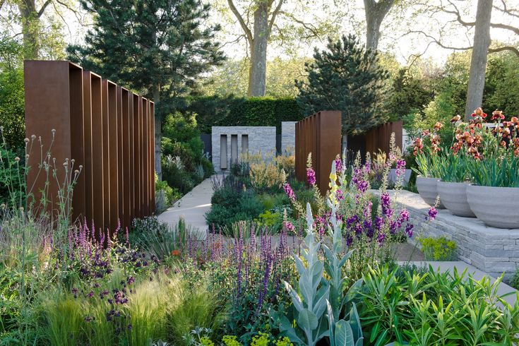 Andy sturgeon landscape design daily telegraph garden for Bbc garden designs
