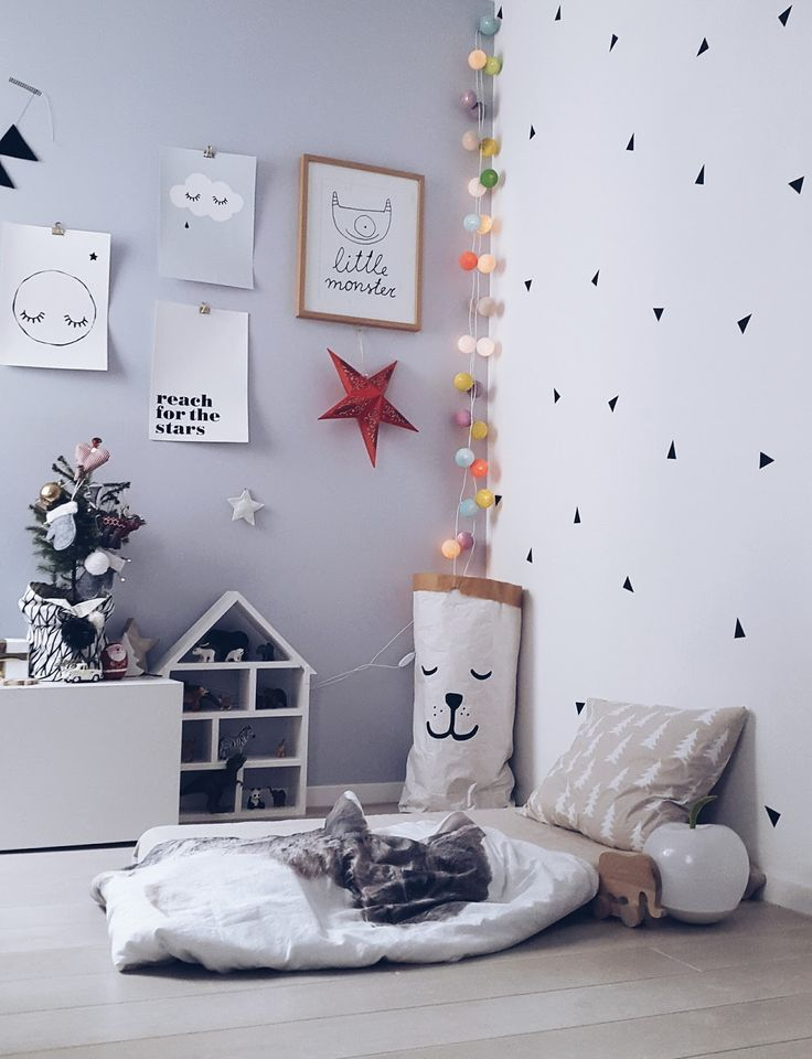 SOMETHING BEAUTIFUL: Christmas morning in Toma's room