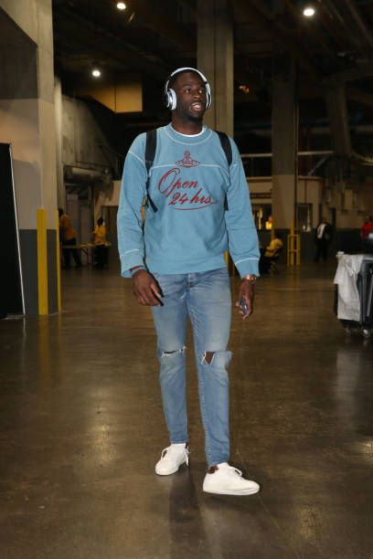 Draymond Green of the Golden State Warriors arrives before the game against the New Orleans Pelicans on December 4 2017 at Smoothie King Center in...