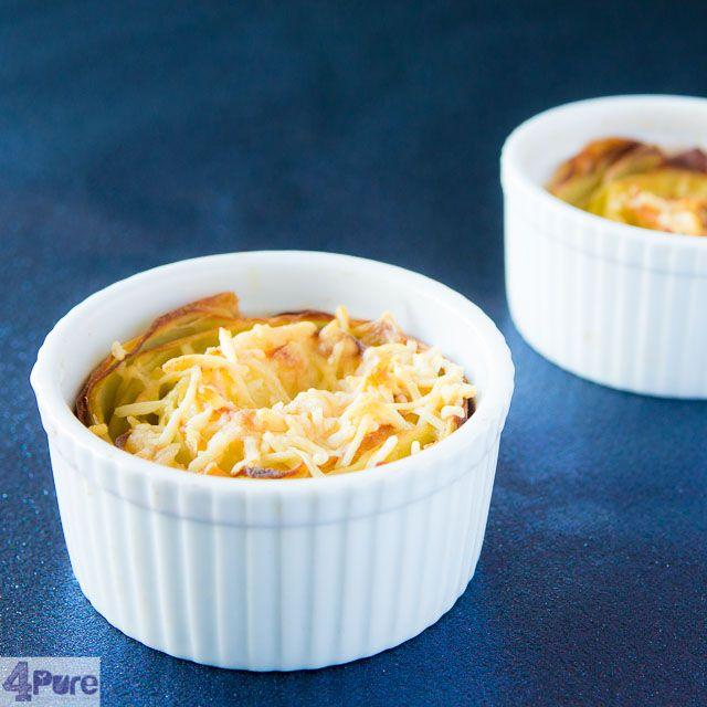 Aardappel gratin, de slanke versie. Hou je ook zo van aardappel gratin maar ben je op zoek naar een gezonde slankere versie. Die vindt je hier. In een grote ovenschaal of per persoon. Lekker voor kerstmis.