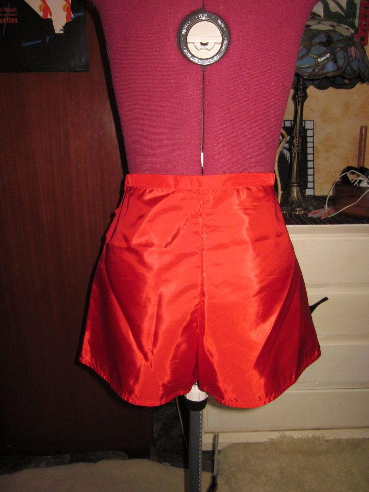 French knickers based on a Sew Vera Venus drafting instructions. Red taffeta like synthetic fabric. Back