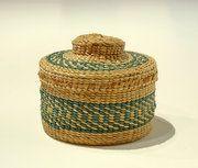 Rattle-Top Basket (Strawberry design)