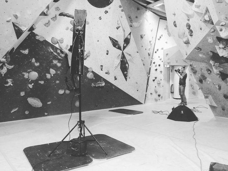 44/365   13.02.2017 shoot-time! With @marc_krischak_photo @_noahbeissler_ @ronjakrimm and @tobias.hage at Kletterzentrum Aschaffenburg   365.tobiashage.de    #achisto365 #365photochallenge #365project #aschaffenburg #meinaschaffenburg #aschaffenburg_bilder #iphone #iphone5s #iphonephotooftheday #bouldern #bouldering #climbing #photoshoot #business