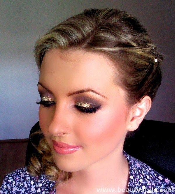 Fire & Ice Eye Makeup Ideas For Glitter Eyes Makeup