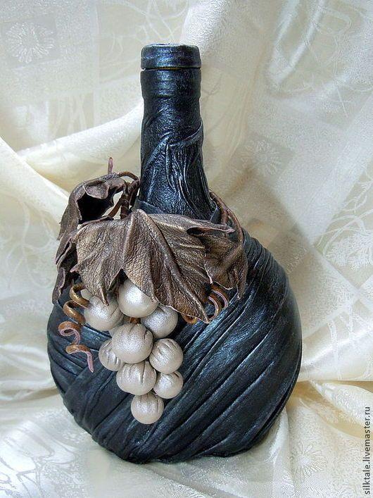 """Подарочное оформление бутылок ручной работы. Ярмарка Мастеров - ручная работа. Купить Декор для бутылки """"Виноградная лоза"""" натуральная кожа. Handmade."""
