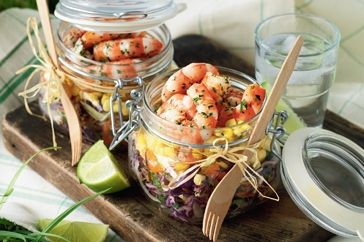 Diner en Blanc : Prawn picnic jars