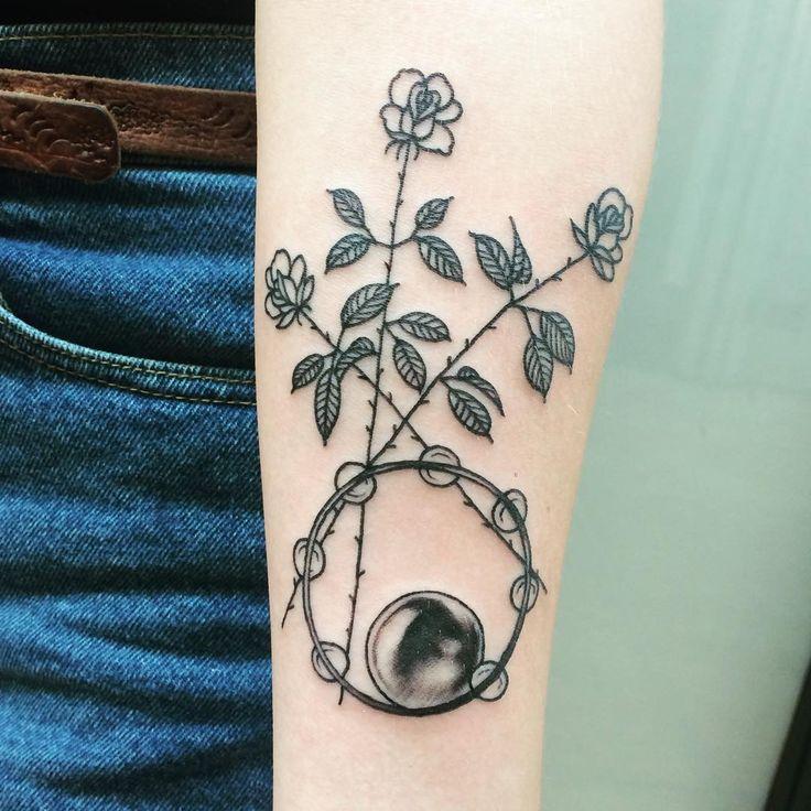 roses, tambourine and crystal ball from Stevie Nicks' Bella Donna album  thanks amanda!!
