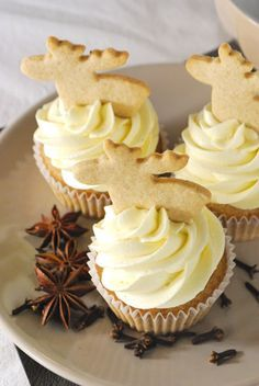 Speculoos cupcakes with white chocolate butter cream