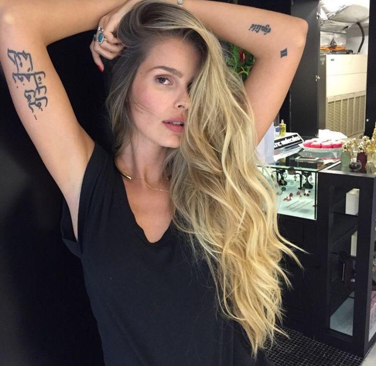 Deslumbrante Yasmin Brunet ondas de sereia MG Hair Design